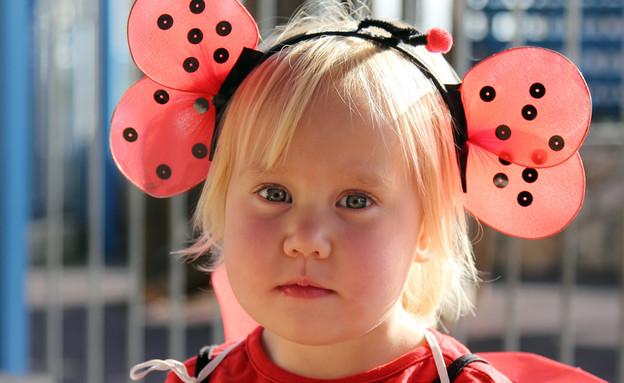 ילדה מחופשת לחיפושית (אילוסטרציה: shutterstock ,shutterstock)