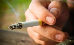 סיגריה עישון (צילום: חדשות 2)