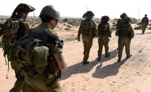 צפו בחיילים מדברים (צילום: פלאש 90 תומר נאוברג)
