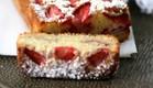 עוגת תותים ושקדים (צילום: קרן אגם ,אוכל טוב)