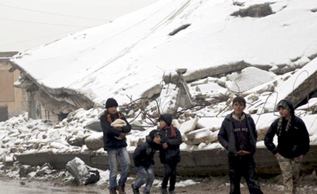 חורף קשה לפליטים בסוריה (צילום: רויטרס)
