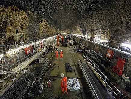 עבודות על הרכבת התחתית החדשה של לונדון קרוסרייל (צילום: getty images ,getty images)