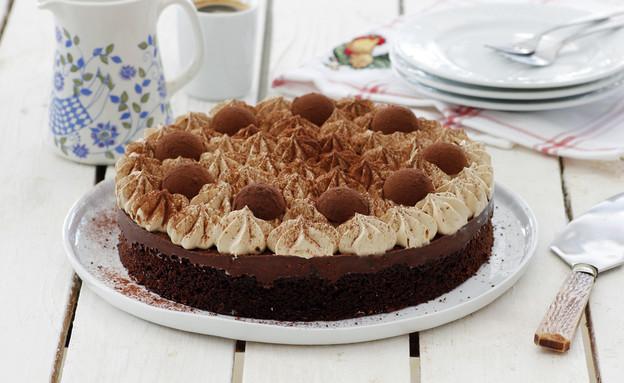 עוגת שוקולד עם קרם קפה וטראפלס (צילום: נטלי לוין ,אוכל טוב)