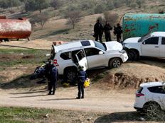"""משפחת הנהג הדורס: """"השיבו הגופה"""" (צילום: רויטרס)"""