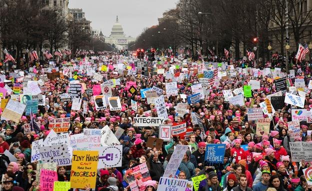 חצי מיליון בעצרת נגד טראמפ בוושינגטון (צילום: רויטרס)