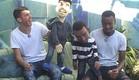 חיים ואנדל בסיגריה עם הבובות (צילום: האח הגדול 24/7)
