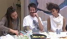 דיירים סביב שולחן השבת (צילום: האח הגדול 24/7)