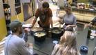 דן, אורנה, אביחי ומעיין מבשלים (צילום: האח הגדול 24/7)
