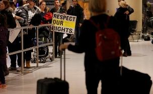 """מפגינים בארה""""ב נגד מדיניות ההגירה (צילום: רויטרס)"""