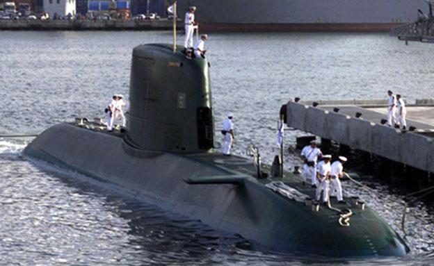 נתניהו בביקור בצוללת (צילום: רויטרס)