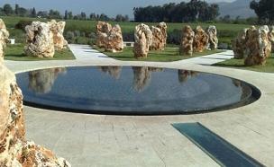 האנדרטה לזכר הנופלים באסון המסוקים (צילום: גדעון וקנין, חדשות 2)