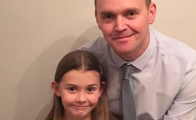 קלואי ברידג'ווטר בת ה-7 עם אביה, אנדי ברידג'ווטר