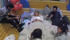 שם ושני עם הדיירים החדשים בחדר שינה (צילום: האח הגדול 24/7 ,האח הגדול 24/7)