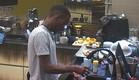 אנדל שוטף כלים  (צילום: האח הגדול 24/7)