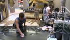 הדיירים עובדים במטבח (צילום: האח הגדול 24/7)