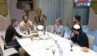 הדיירים מסביב לשולחן (צילום: האח הגדול 24/7)