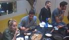 אוכלים במטבח (צילום: האח הגדול 24/7)