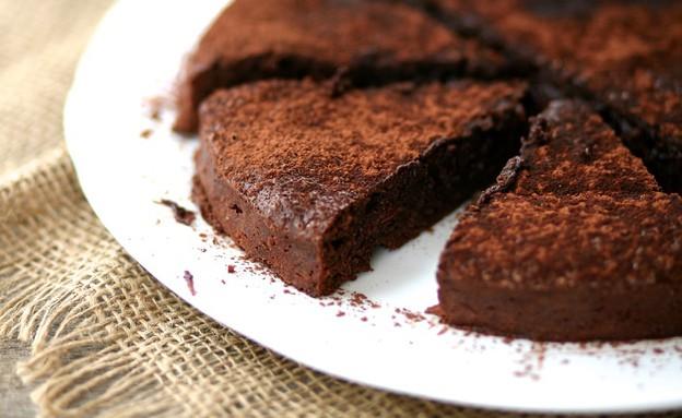 עוגת בראוניז שוקולד (צילום: קרן אגם ,אוכל טוב)