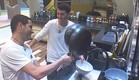 חיים ושרון שוטפים כלים (צילום: האח הגדול 24/7)