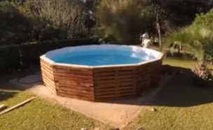 בריכת שחייה ממשטחים (צילום: צילום מסך Manos a la obra)