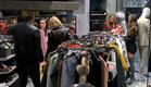כולם מחפשים מה ללבוש (צילום: מתוך
