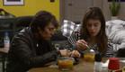 סיגל והודיה מרוכזות באוכל (צילום: מתוך