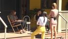 אודטה נהנת מהשמש עם דניאל, מנואל ורומי (צילום: מתוך