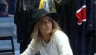 אליסה קונה את הבדים שלה (צילום: מתוך
