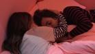 הודיה וסיגל שוב במיטה (צילום: מתוך