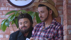דומיניק שמחופש לדודו יחד עם אודטה שמחופשת לדניאל  (צילום: מתוך