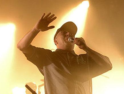 """רמי פורטיס בהופעה של יאיא (צילום: יח""""צ)"""