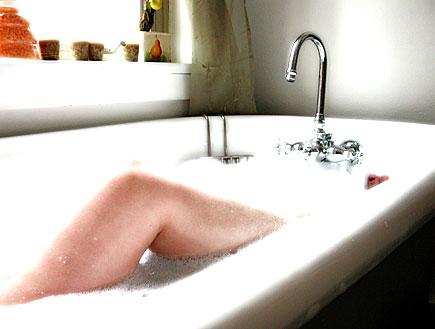 אמבטיית קצף (צילום: stock_xchng)