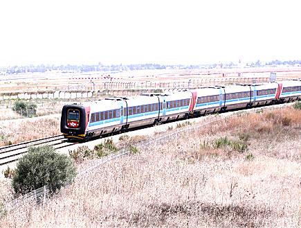 רכבת (צילום: עודד קרני)