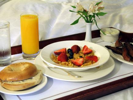 מגש של ארוחת בוקר
