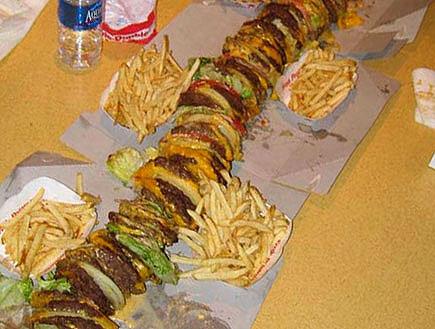 מי אמר המבורגר ולא קיבל (צילום: אור גץ)