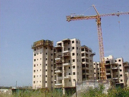 בניין בבנייה (תמונת AVI: אור גץ, חדשות1 ערוץ 2)