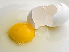 ביצה שבורה - ביצת עין (צילום: iStock)