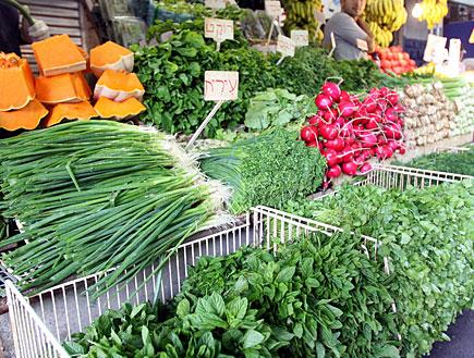 עשבים / תבלינים בשוק - עירית, רוקט, נענע (צילום: עודד קרני)