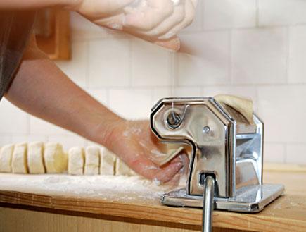 מכונה לחיתוך פסטה (צילום: iStock)