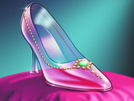 סינדרלה 1- נעל זכוכית על כרית ורודה (צילום: אור גץ)
