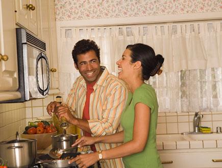מבשלים ביחד (צילום: jupiter images)