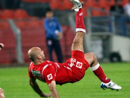 יבוריאן בועט (צילום: עודד קרני)
