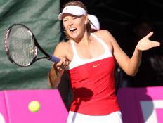 מריה שראפובה במהלך משחק טניס