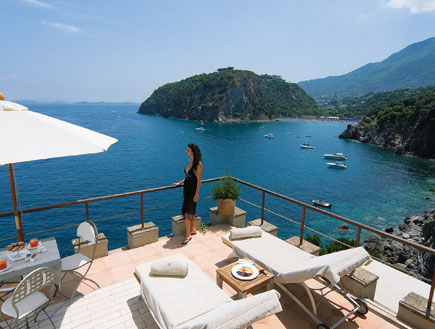 איטליה: אתר הנופש מצטורה באי איסקיה