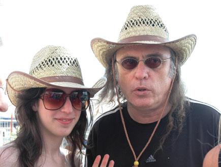 צביקה פיק ובתו, שרונה, באירוע של שידורי קשת (צילום: גיגי)