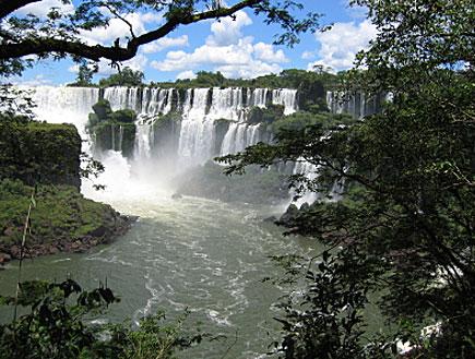 מפלי איגואסו בארגנטינה (צילום: iStock)