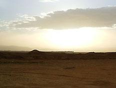 טיולים בדרום: שעות השקיעה מעל מישורי הערבה