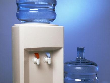 מתקן של מים מינרלים (צילום: istockphoto)