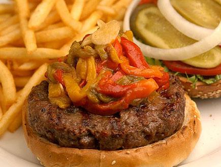 המבורגר עם פלפלים חריפים-אגדיר (צילום: mako)