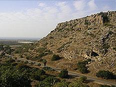 פתח מערה בהרי הכרמל